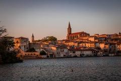 Solnedgång i Castelnaudary, Frankrike Arkivfoto