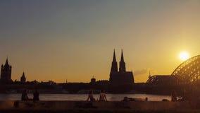 Solnedgång i Cologne lager videofilmer