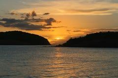 Solnedgång i Culebra i de spanska Jungfruöarnaen från luften royaltyfria foton