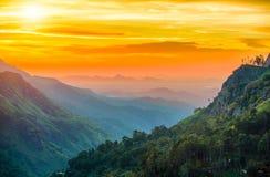 Solnedgång i dalen nära staden av Ella, Sri Lanka Royaltyfri Fotografi