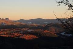 Solnedgång i den Gevaudan regionen, Frankrike Arkivbild