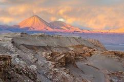 Solnedgång i den härliga Atacama öknen, San Pedro de Atacama Royaltyfri Foto