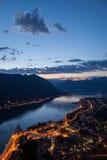 Solnedgång i den Kotor fjärden, Montenegro Arkivbild