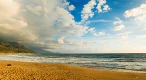 Solnedgång i den LaSperanza stranden Fotografering för Bildbyråer