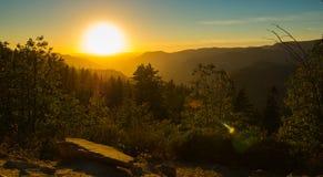Solnedgång i den Yosemite nationalparken Arkivfoton