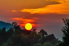 Solnedgång i Don Kone, 4000 öar, Laos Royaltyfria Bilder