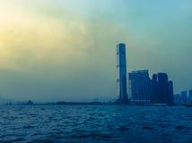 Solnedgång i fjärden i HK Royaltyfria Foton