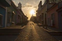 Solnedgång i gammal kolonial stad av Ciudad Bolivar, Venezuela Arkivfoton