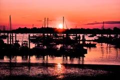Solnedgång i hamnen/hamnen Royaltyfri Foto