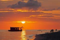 Solnedgång i hav Royaltyfria Foton