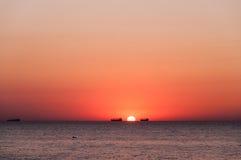 Solnedgång i havet Royaltyfria Bilder