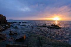 Solnedgång i havet av Japan Royaltyfria Foton