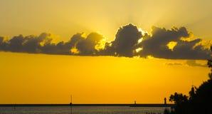 Solnedgång i havsporten Royaltyfri Fotografi