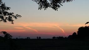Solnedgång i Holland, Friesland royaltyfri foto
