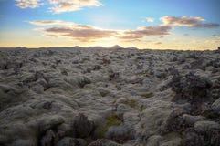 Solnedgång i Island Arkivfoton