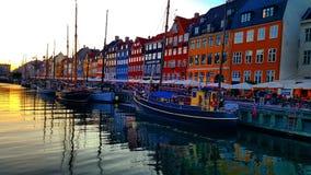 Solnedgång i Köpenhamn arkivbild