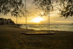 Solnedgång i Koh Tao, Tailandia royaltyfria foton