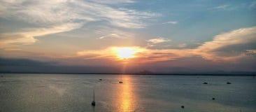 Solnedgång i La Manga del Mar Menor Murcia, Spanien arkivbild