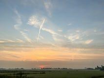 Solnedgång i Leidschendam Royaltyfri Bild