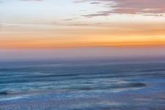 Solnedgång i Lima, Peru med lång exponering arkivfoto