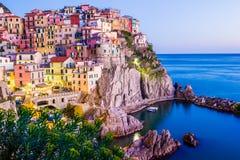 Solnedgång i Manarola, Cinque Terre, Italien Royaltyfria Bilder