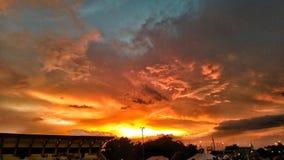 Solnedgång i Manila royaltyfria foton