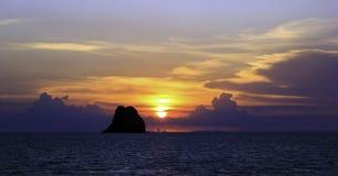Solnedgång i naturen Royaltyfria Foton