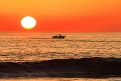 Solnedgång i oceansiden Kalifornien Arkivfoto