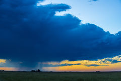 Solnedgång i pampaslandskap Royaltyfria Foton