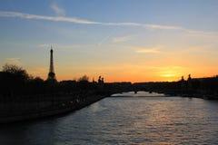 Solnedgång i Paris Fotografering för Bildbyråer