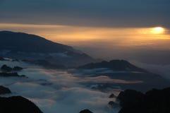 Solnedgång i Qin berg (Qin Lin) Kina arkivbilder