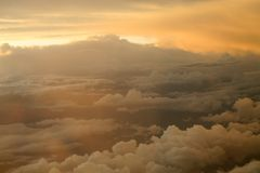 Solnedgång i skyen Fotografering för Bildbyråer