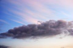 Solnedgång i skyen royaltyfri foto