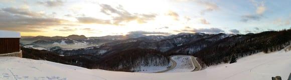Solnedgång i Slovakien, panoramafoto fotografering för bildbyråer