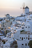 Solnedgång i stad av Oia, Santorini, Tira Island, Cyclades Royaltyfria Foton