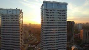Solnedgång i staden lager videofilmer