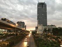 Solnedgång i staden av Bangkok Arkivfoto