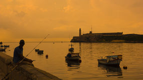 Solnedgång i staden av Havana. Kuba Royaltyfri Foto