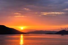 Solnedgång i Stilla havet Fotografering för Bildbyråer