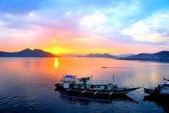Solnedgång i Stilla havet Royaltyfri Foto