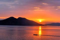 Solnedgång i Stilla havet Arkivfoto