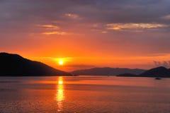 Solnedgång i Stilla havet philippines Arkivbild