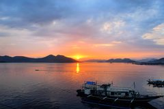 Solnedgång i Stilla havet philippines Fotografering för Bildbyråer