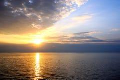 Solnedgång i Stilla havet philippines Royaltyfria Foton
