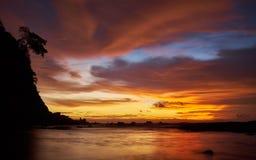 Solnedgång i Tak Arkivbild