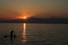Solnedgång i Thassos Arkivfoto