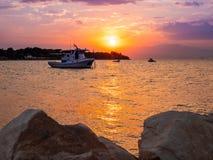 Solnedgång i Thassos, Grekland royaltyfri fotografi