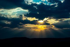 Solnedgång i Tjeckien royaltyfria foton