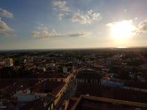 Solnedgång i Trinidad royaltyfria bilder
