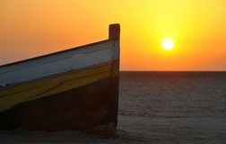 Solnedgång i Tunisien royaltyfri foto